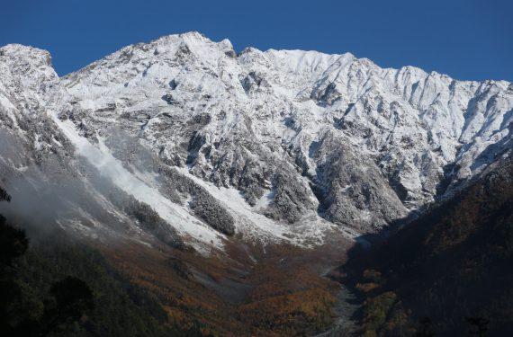 冬の装い ~初冠雪の穂高連峰~