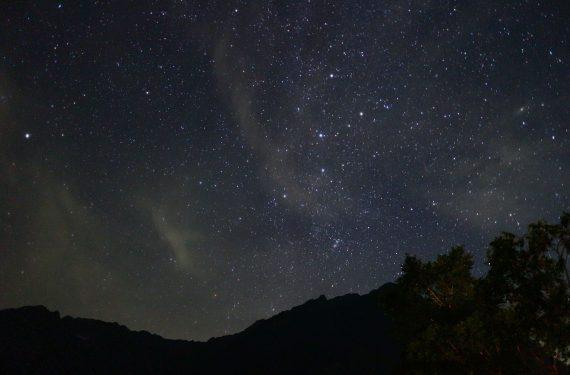 一度は観てみたい!宿泊した方にしか味わえない、満天の星空が広がる夜の上高地